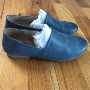 Blue b.o.c leather shoes, women's size 8.5